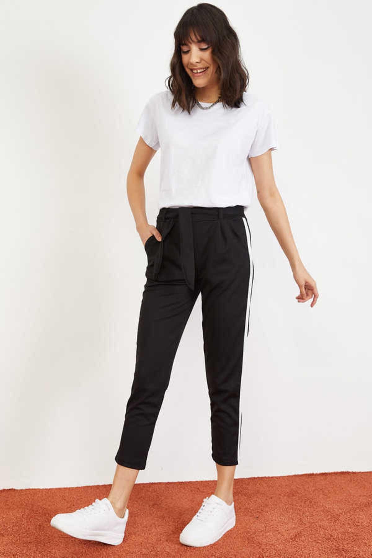 Bianco Lucci Kadın Siyah Yan Şerit Beli Lastikli Crep Pantolon 10021046 1