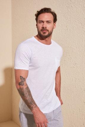 TRENDYOL MAN Beyaz Erkek Kısa Kollu Cepli  Slim Fit T-Shirt TMNSS20TS0305 3