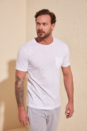 TRENDYOL MAN Beyaz Erkek Kısa Kollu Cepli  Slim Fit T-Shirt TMNSS20TS0305 0