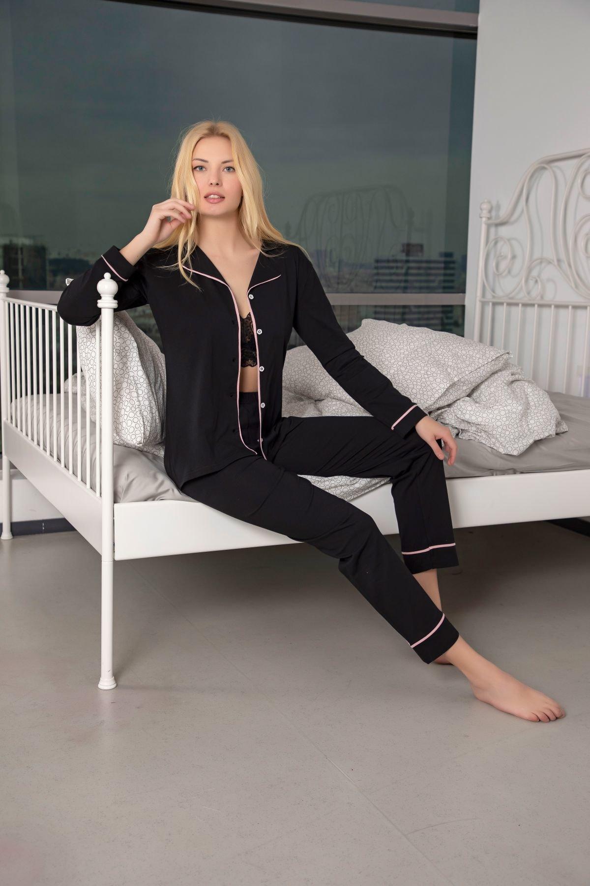 Kadın Siyah-Pembe Pamuklu Likralı Düğmeli Biyeli Pijama Takım