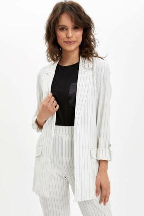 Defacto Kadın Beyaz Regular Fit Blazer Ceket N3733AZ.20SP.WT34 2