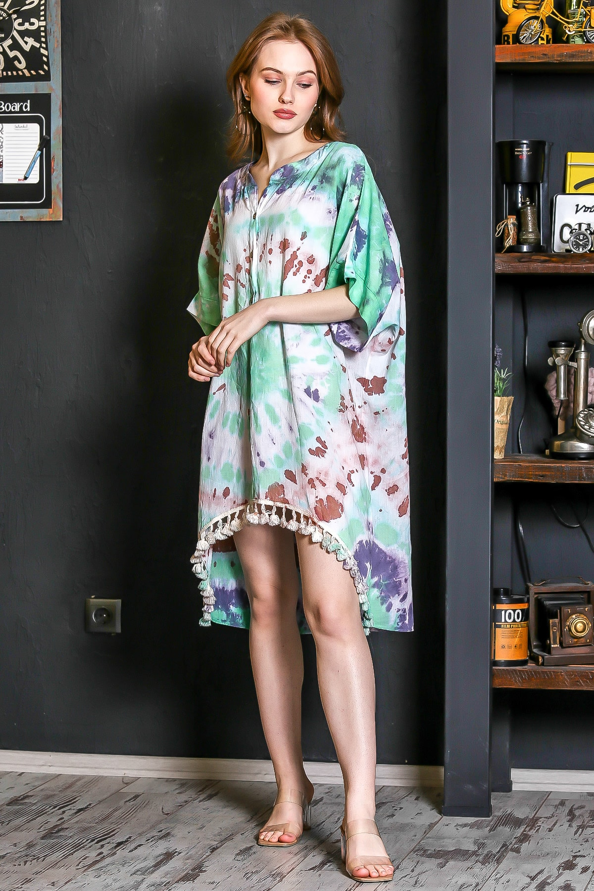 Chiccy Kadın Yeşil Patı Düğmeli Etek Ucu Püsküllü Batik Desen Salaş Elbise M10160000EL95224 2