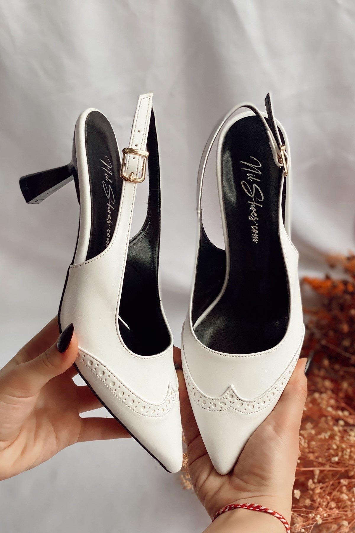 Kadın Beyaz Suni Deri Cilt Topuklu Ayakkabı