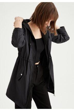 Defacto Kadın Siyah Kapüşonlu Beli Büzgülü Relax Fit Yağmurluk 0