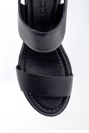 Derimod Kadın Siyah Deri Kalın Tabanlı Sandalet 4
