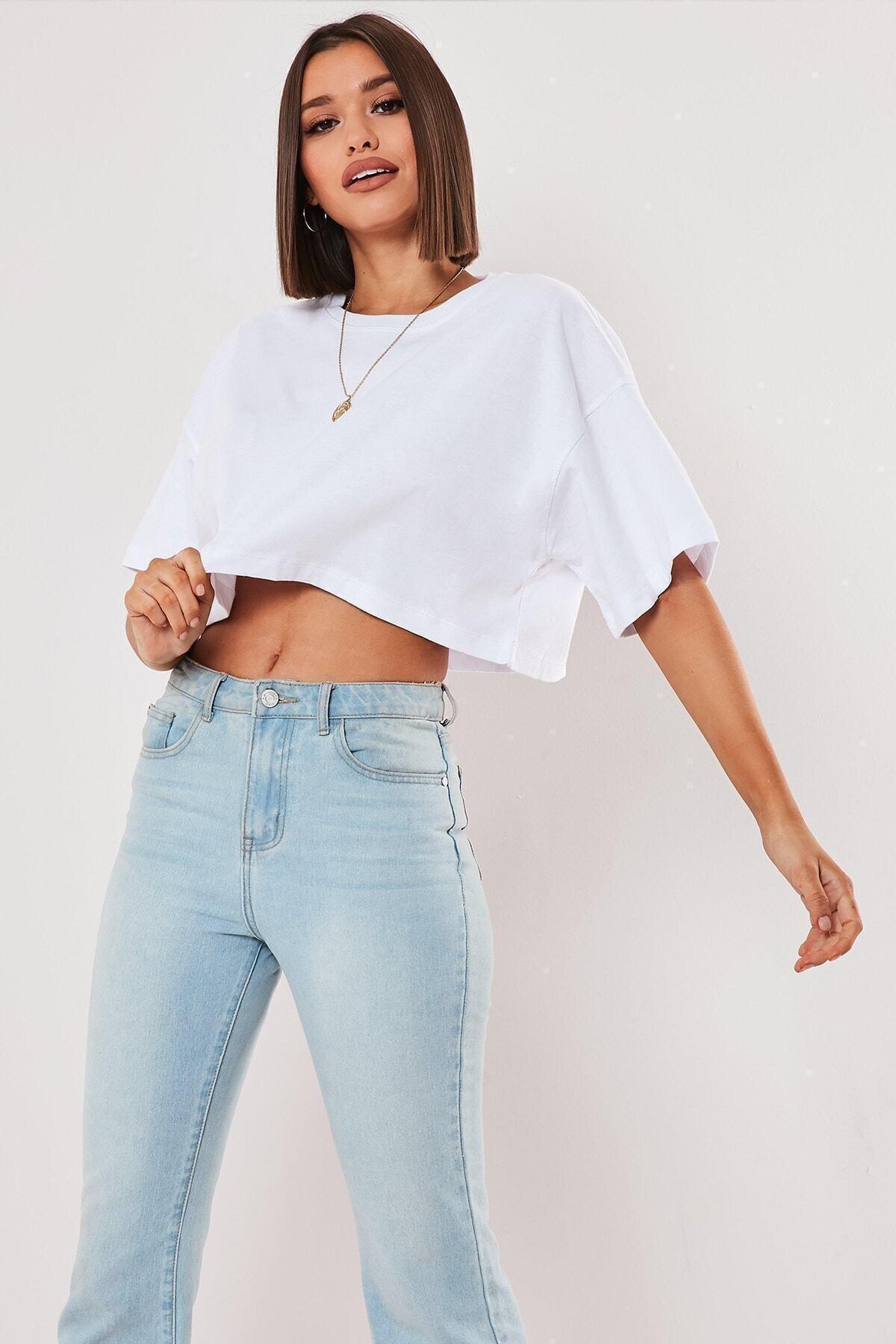 Kadın Beyaz Oversize Crop T-shirt