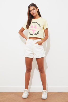 TRENDYOLMİLLA Sarı Baskılı Crop Örme T-Shirt TWOSS21TS2101 3