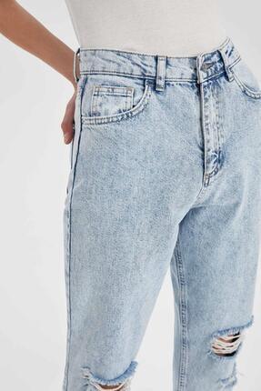 Defacto Mom Fit Yırtık Detaylı Jean Pantolon 3