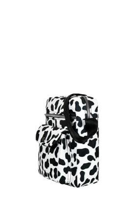 Güce Siyah Beyaz Inek Desenli Ön Kapak Gözlü Kemer Askılı Omuz Çantası Gc0152inek 1