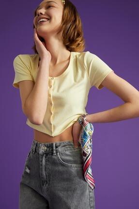 Defacto Kadın Ekru Kare Yaka Düğme Detaylı Kısa Kollu Crop T Shirt 3