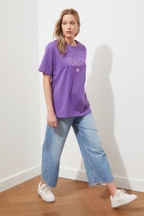 TRENDYOLMİLLA Mor Nakışlı Boyfriend Örme T-shirt TWOSS19IS0051 3