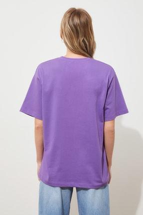 TRENDYOLMİLLA Mor Nakışlı Boyfriend Örme T-shirt TWOSS19IS0051 4