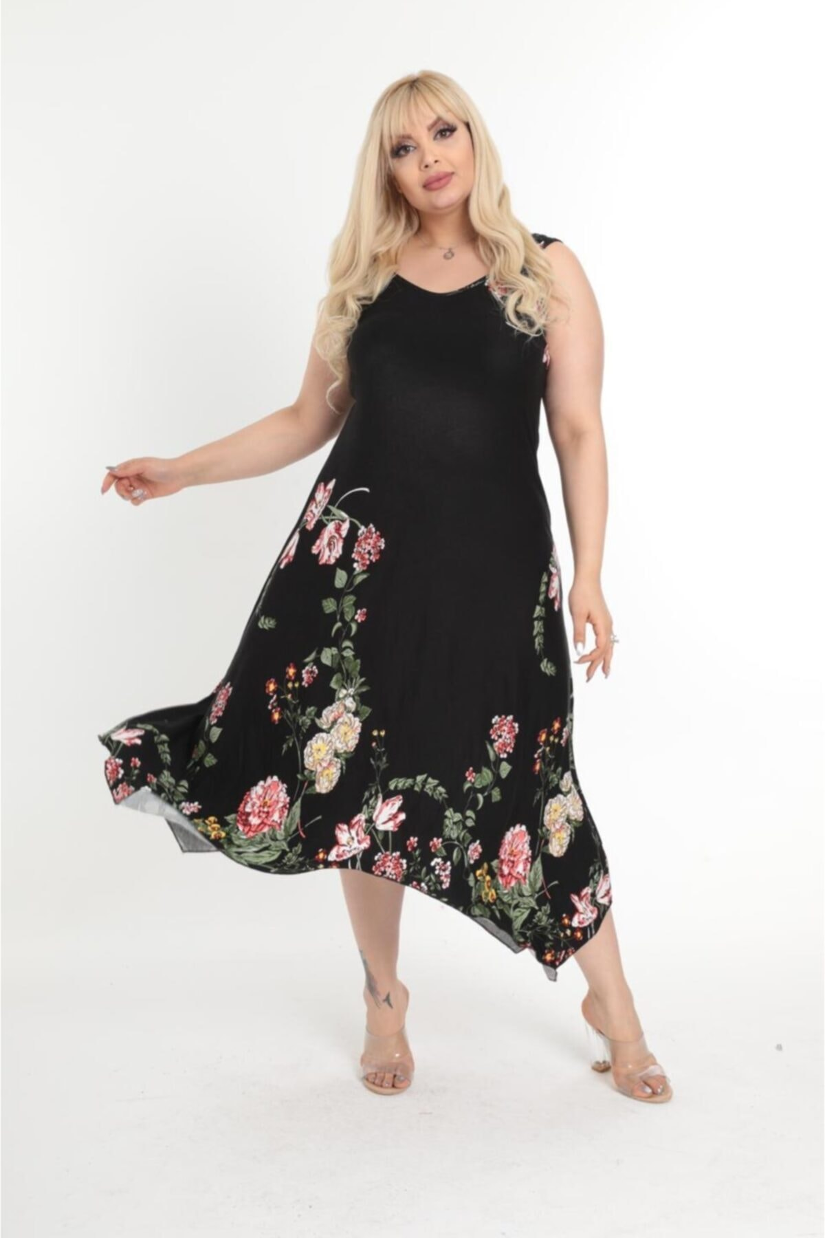 Kadın Büyük Beden Siyah Çiçek Desen Askılı Toka Detaylı Elbise