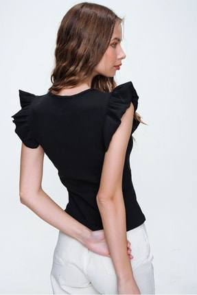 Trend Alaçatı Stili Kadın Siyah Omuzları Fırfırlı Fitilli Bluz ALC-X6240 1