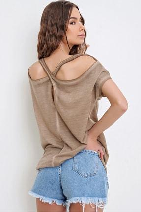 Trend Alaçatı Stili Kadın Bej Sırtı Çapraz Bantlı Yıkamalı Bluz MDA-1164 3
