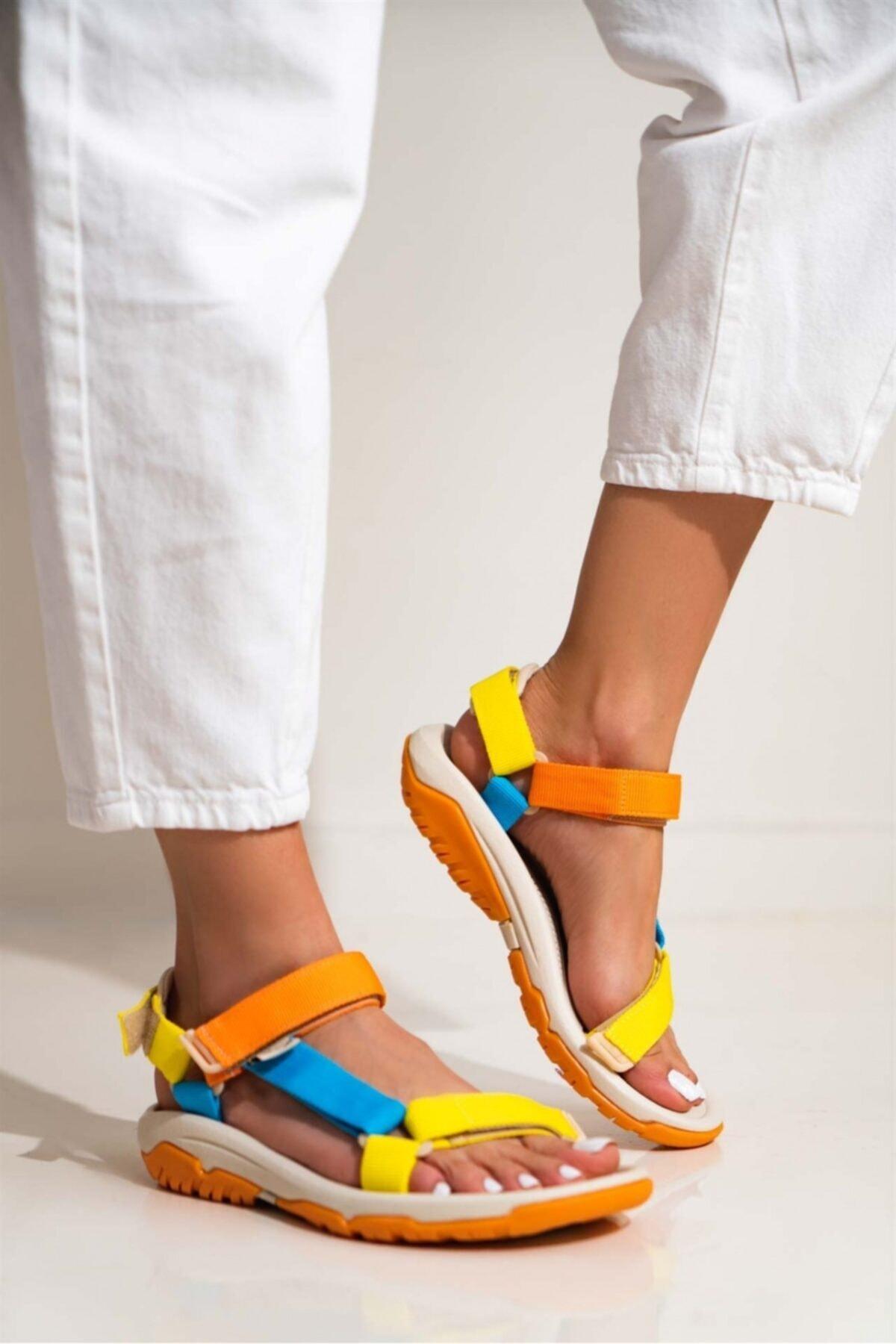 Kadın Cırtlı Trekking Sandalet
