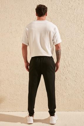 TRENDYOL MAN Siyah Erkek Regular Fit Baskılı Eşofman Altı TMNAW20EA0124 4