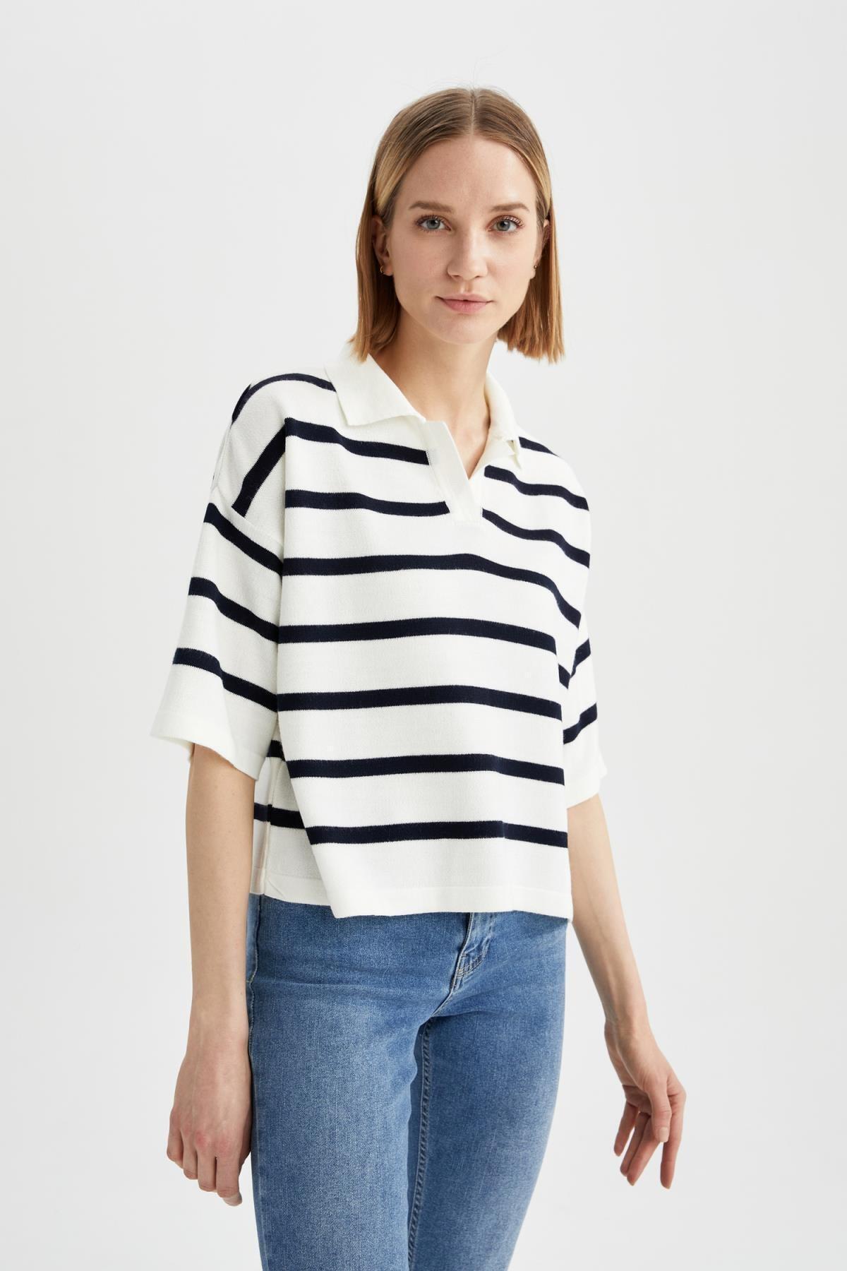 Kadın Lacivert Geometrik Gömlek Yaka Triko Tişört