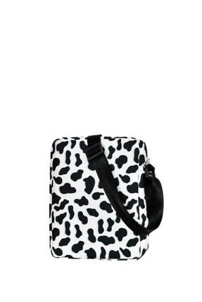 Güce Siyah Beyaz Inek Desenli Ön Kapak Gözlü Kemer Askılı Omuz Çantası Gc0152inek 2
