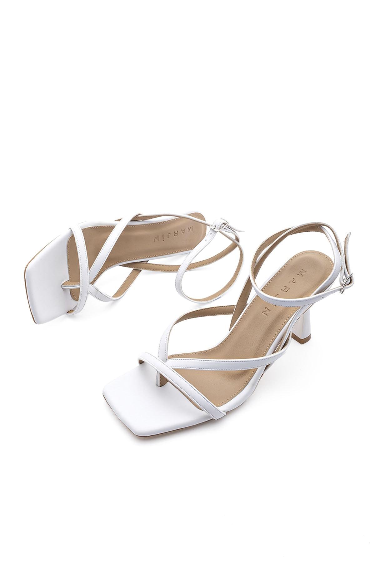 Kadın Parmak Arası Topuklu Sandalet Bitebeyaz