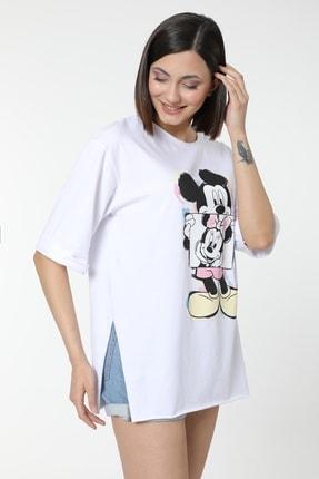MD trend Kadın Beyaz Mickey Baskılı Yırtmaçlı Pamuklu Basic T-shirt 2