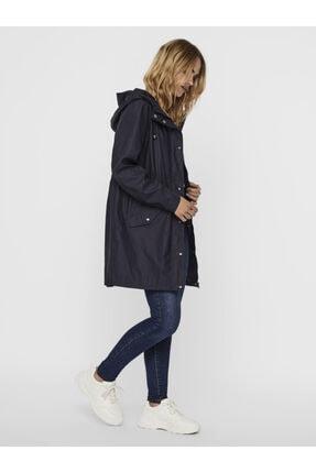Vero Moda Kadın Siyah Kapüşonlu Büzgülü Yağmurluk 1