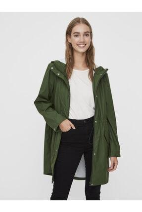 Vero Moda Kadın Yeşil Kapüşonlu Büzgülü Yağmurluk 2