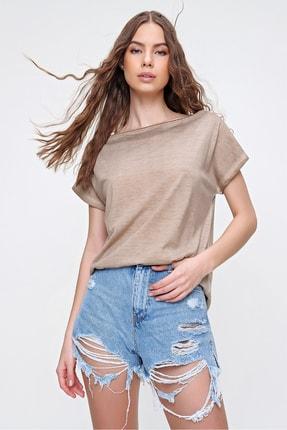 Trend Alaçatı Stili Kadın Bej Sırtı Çapraz Bantlı Yıkamalı Bluz MDA-1164 1