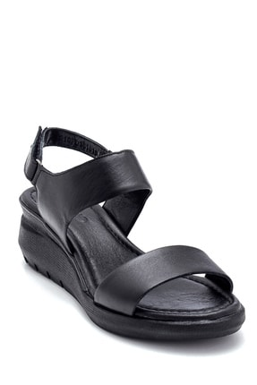 Derimod Kadın Siyah Deri Kalın Tabanlı Sandalet 1