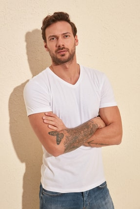 TRENDYOL MAN Beyaz Basic Erkek Slim Fit V Yaka Kısa Kollu T-Shirt TMNSS19BO0002 1