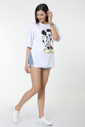 MD trend Kadın Beyaz Mickey Baskılı Yırtmaçlı Pamuklu Basic T-shirt 3