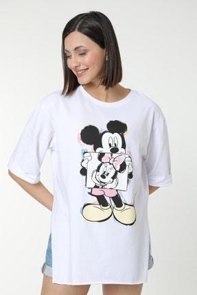 MD trend Kadın Beyaz Mickey Baskılı Yırtmaçlı Pamuklu Basic T-shirt 4