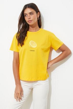 TRENDYOLMİLLA Sarı Baskılı Semi-Fitted Örme T-Shirt TWOSS20TS0314 0