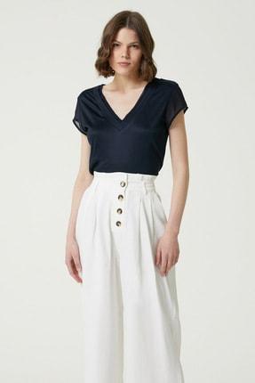 Network Kadın Slim Fit Lacivert V yaka Şifon Garnili T-shirt 1078479 1