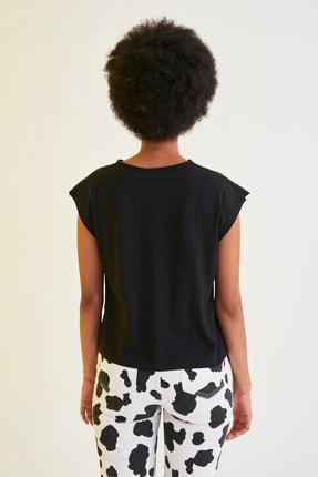 TRENDYOLMİLLA Siyah Baskılı Semifitted Örme T-Shirt TWOSS21TS1181 4