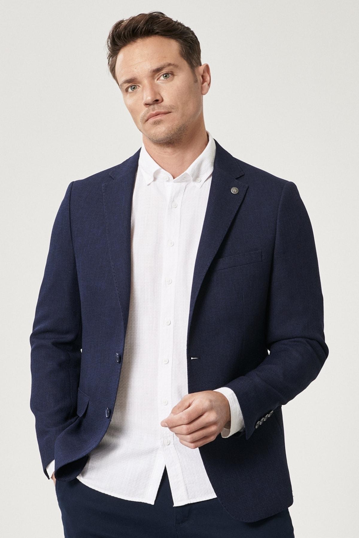 Erkek Lacivert Slim Fit Dar Kesim Mono Yaka Blazer Ceket