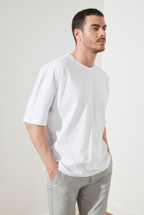 TRENDYOL MAN Beyaz Erkek Geniş Kesim T-Shirt TMNSS20TS0947 1