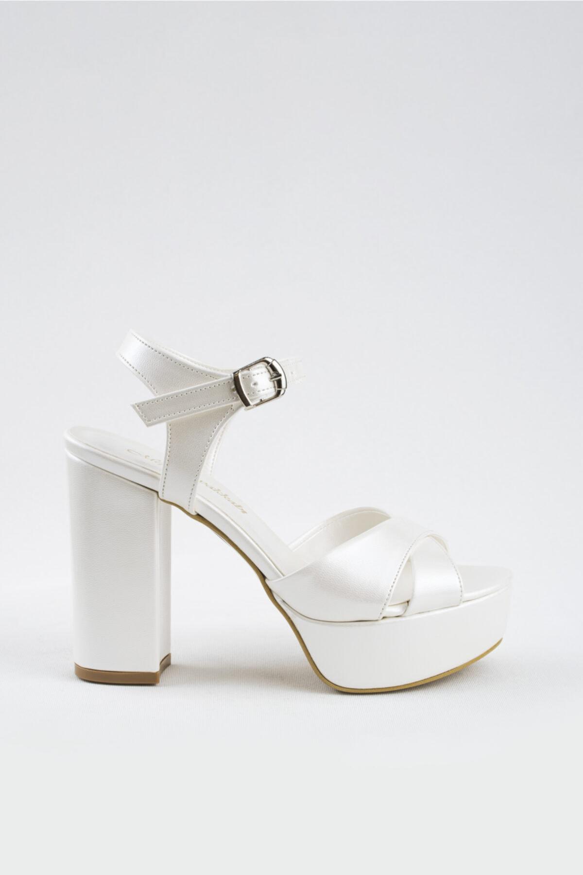 Kadın Kırık Beyaz 12cm Sedef Deri Gelin Ayakkabısı