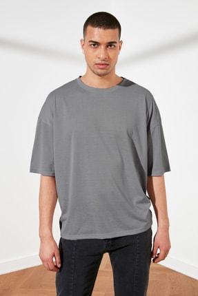 TRENDYOL MAN Gri Basic Erkek Oversize Bisiklet Yaka Kısa Kollu T-Shirt TMNSS21TS0811 0