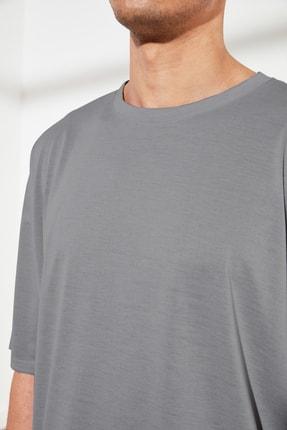 TRENDYOL MAN Gri Basic Erkek Oversize Bisiklet Yaka Kısa Kollu T-Shirt TMNSS21TS0811 2