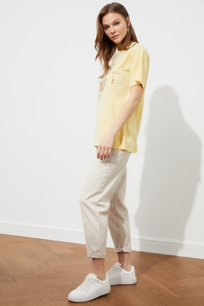 TRENDYOLMİLLA Sarı Boyfriend Örme T-Shirt TWOSS21TS3181 1