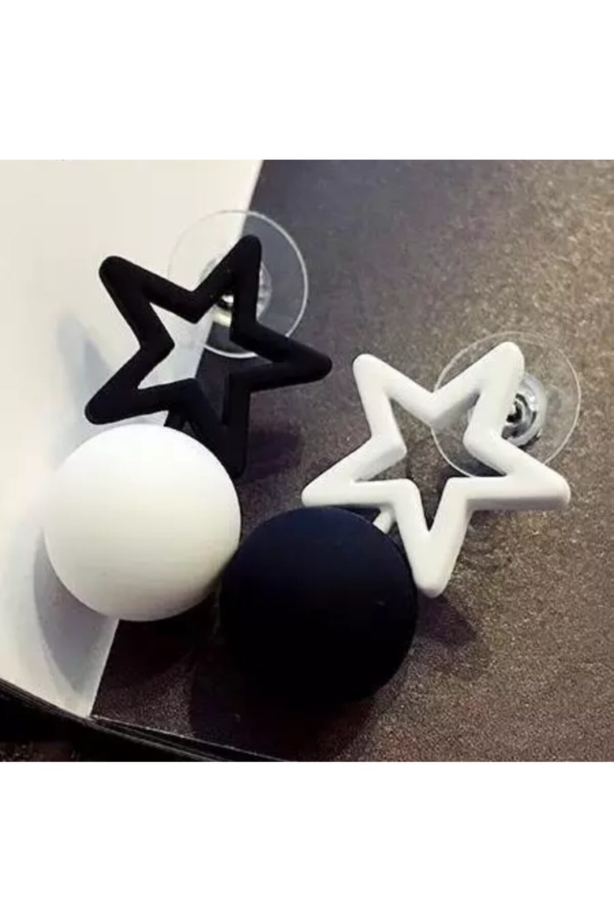 HOSBUTIK Siyah Beyaz Küpe