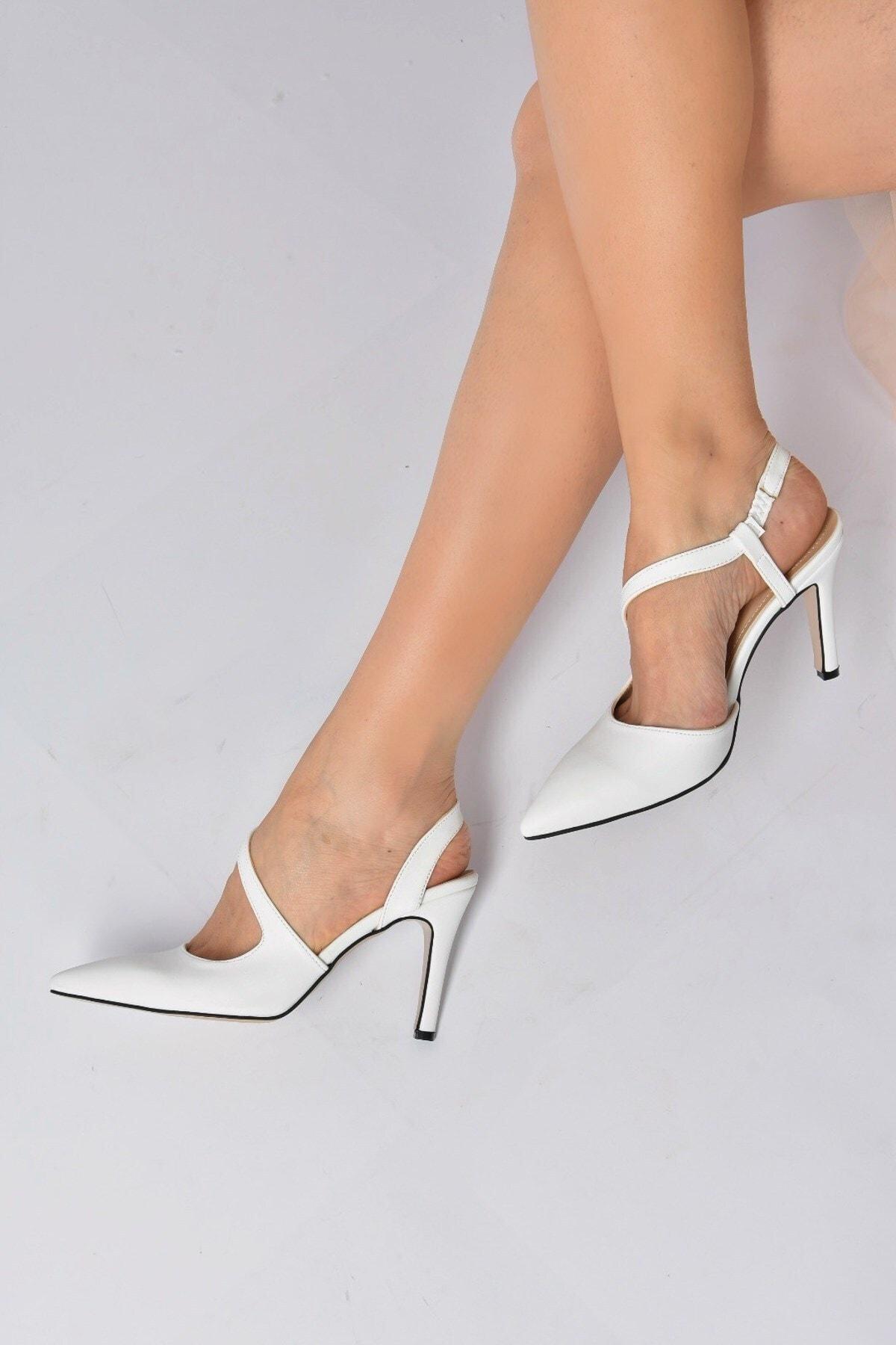 Kadın Beyaz Sivri Burun Topuklu Ayakkabı K404910809