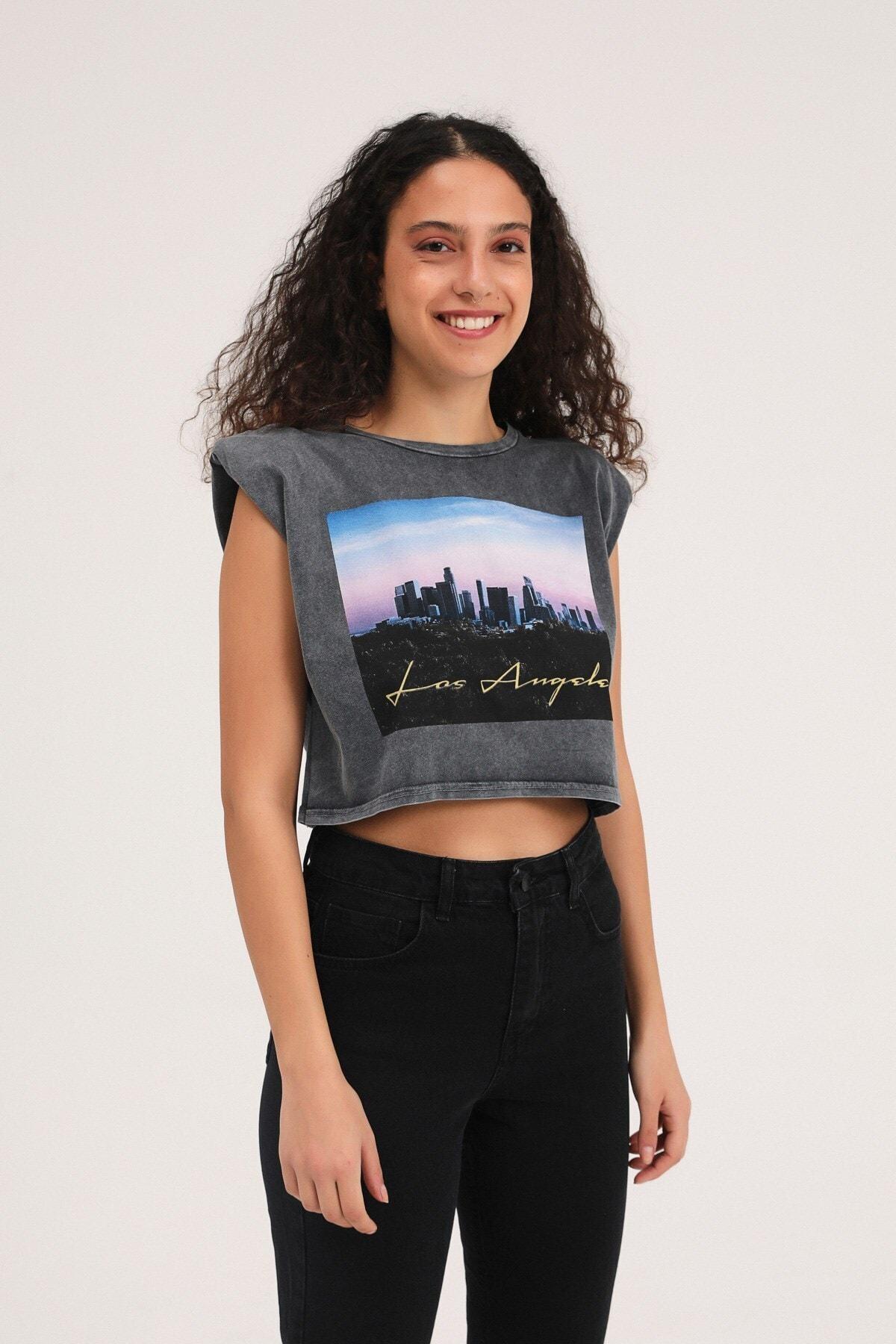 Kadın Baskılı Vatkalı Crop T-Shirt