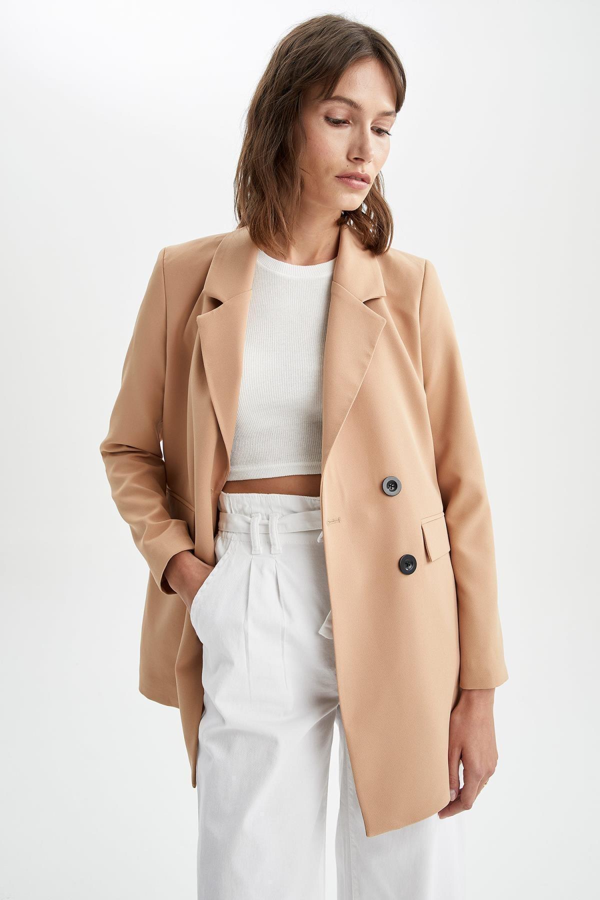 Kadın Kahverengi Kapaklı Cepli Relax Fit Uzun Kollu Blazer Ceket