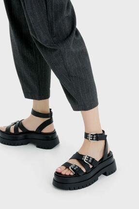 Bershka Kadın Siyah Tokalı Platform Sandalet 1