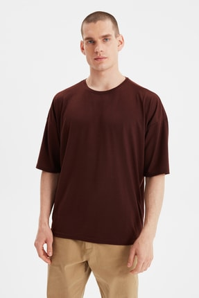 TRENDYOL MAN Kahverengi Basic Erkek Bisiklet Yaka Oversize Kısa Kollu T-Shirt TMNSS21TS0811 0