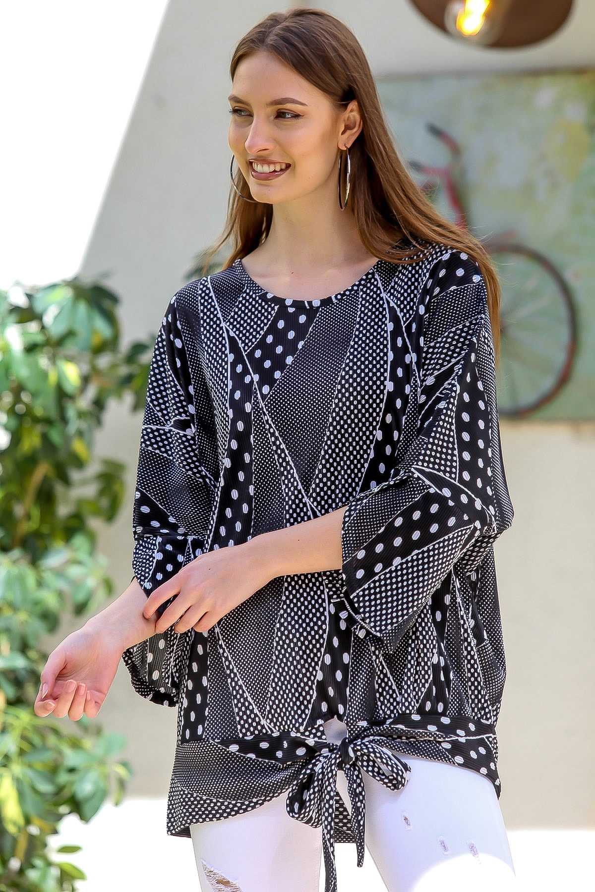 Chiccy Kadın Siyah Pliseli Puantiye Desenli 3/4 Kol Bağlamalı Bluz M10010200BL95402 2