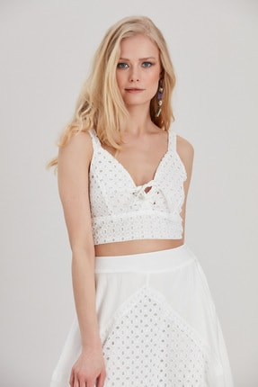 Kadın Beyaz Brode Crop Bluz YL-BL99565 resmi