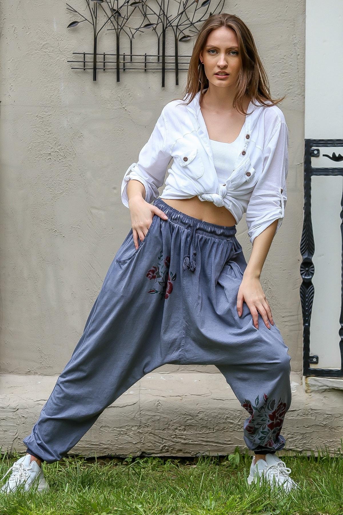 Chiccy Kadın Mavi Gül Baskılı Cepli Salaş Yıkamalı Şalvar Pantolon M10060000PN98860 3